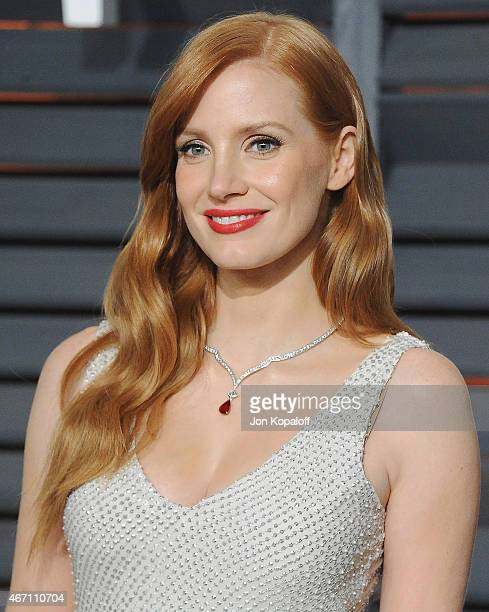 Actress Jessica Chastain arrives at the 2015 Vanity Fair Oscar Party Hosted By Graydon Carter at Wallis Annenberg Center for the Performing Arts on...