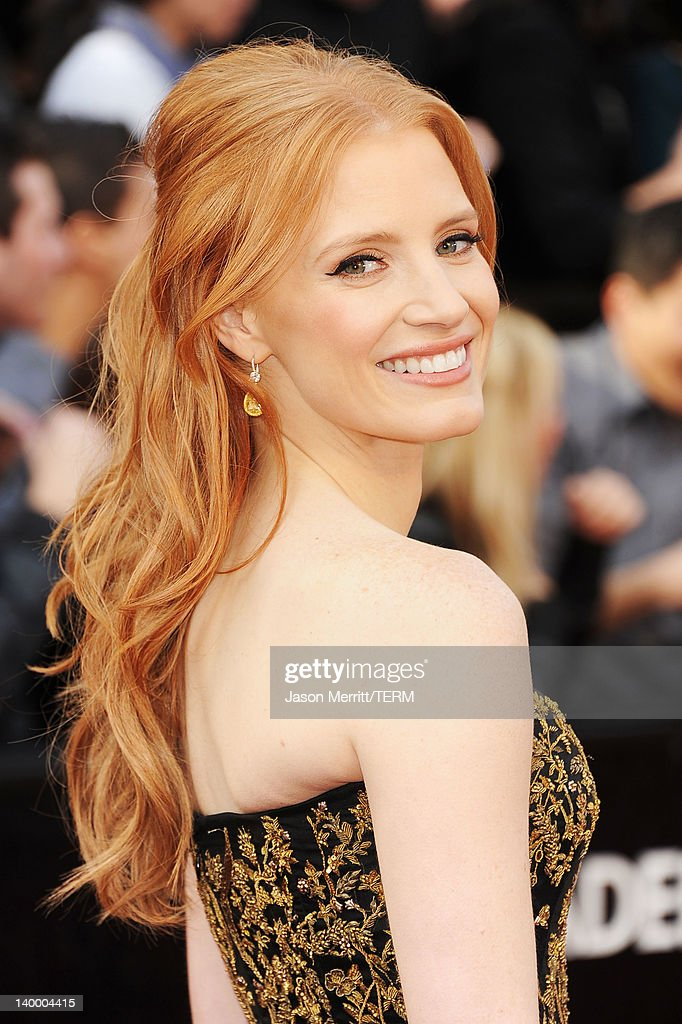 Actress <a gi-track='captionPersonalityLinkClicked' href=/galleries/search?phrase=Jessica+Chastain&family=editorial&specificpeople=653192 ng-click='$event.stopPropagation()'>Jessica Chastain</a> arrives at the 84th Annual Academy Awards held at the Hollywood & Highland Center on February 26, 2012 in Hollywood, California.