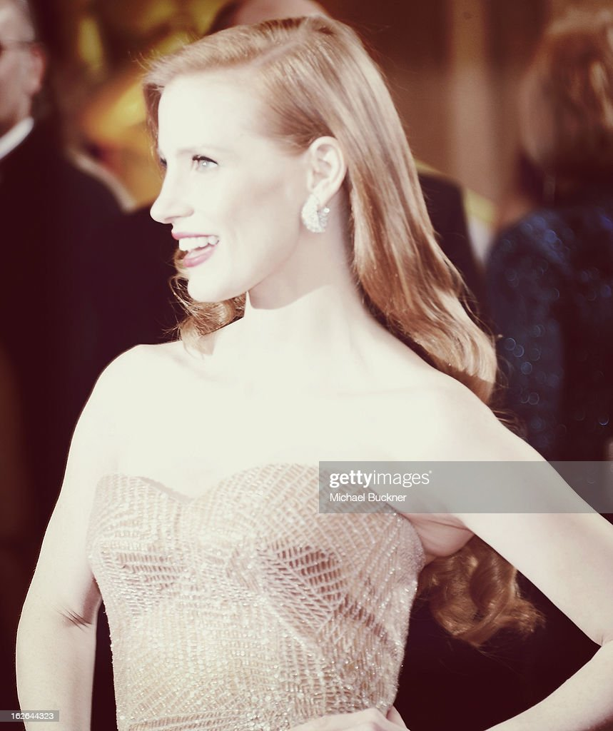 Actress <a gi-track='captionPersonalityLinkClicked' href=/galleries/search?phrase=Jessica+Chastain&family=editorial&specificpeople=653192 ng-click='$event.stopPropagation()'>Jessica Chastain</a> arrives at the 85th Annual Academy Awards at the Hollywood & Highland Center on February 24, 2013 in Hollywood, California.