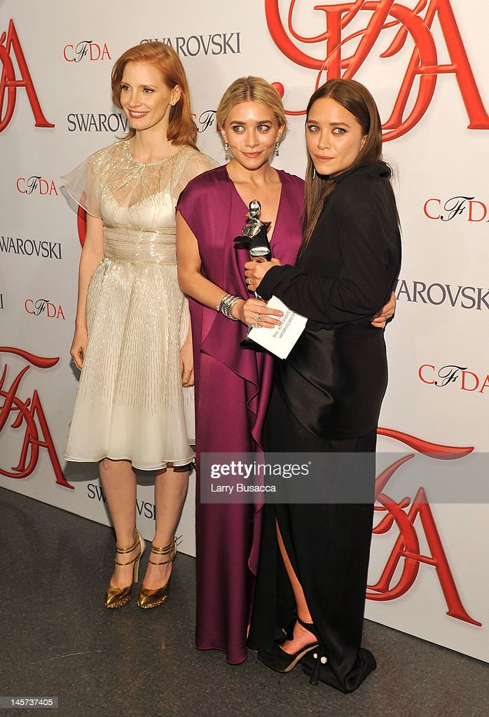 Actress Jessica Chastain, Ashley Olsen and Mary-Kate Olsen attend the2012 CFDA Fashion Awards at Alice Tully Hall on June 4, 2012 in New York City.