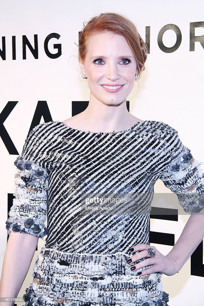 Actress <a gi-track='captionPersonalityLinkClicked' href=/galleries/search?phrase=Jessica+Chastain&family=editorial&specificpeople=653192 ng-click='$event.stopPropagation()'>Jessica Chastain</a> attends An Evening Honoring Karl Lagerfeld at Alice Tully Hall on November 6, 2013 in New York City.