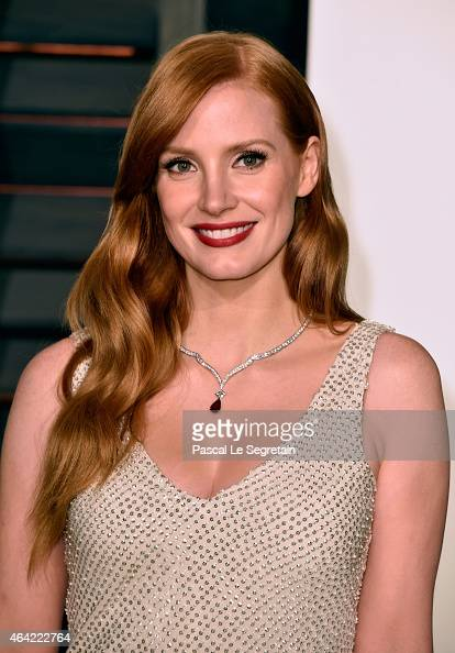 Actress Jessica Chastain attends the 2015 Vanity Fair Oscar Party hosted by Graydon Carter at Wallis Annenberg Center for the Performing Arts on...