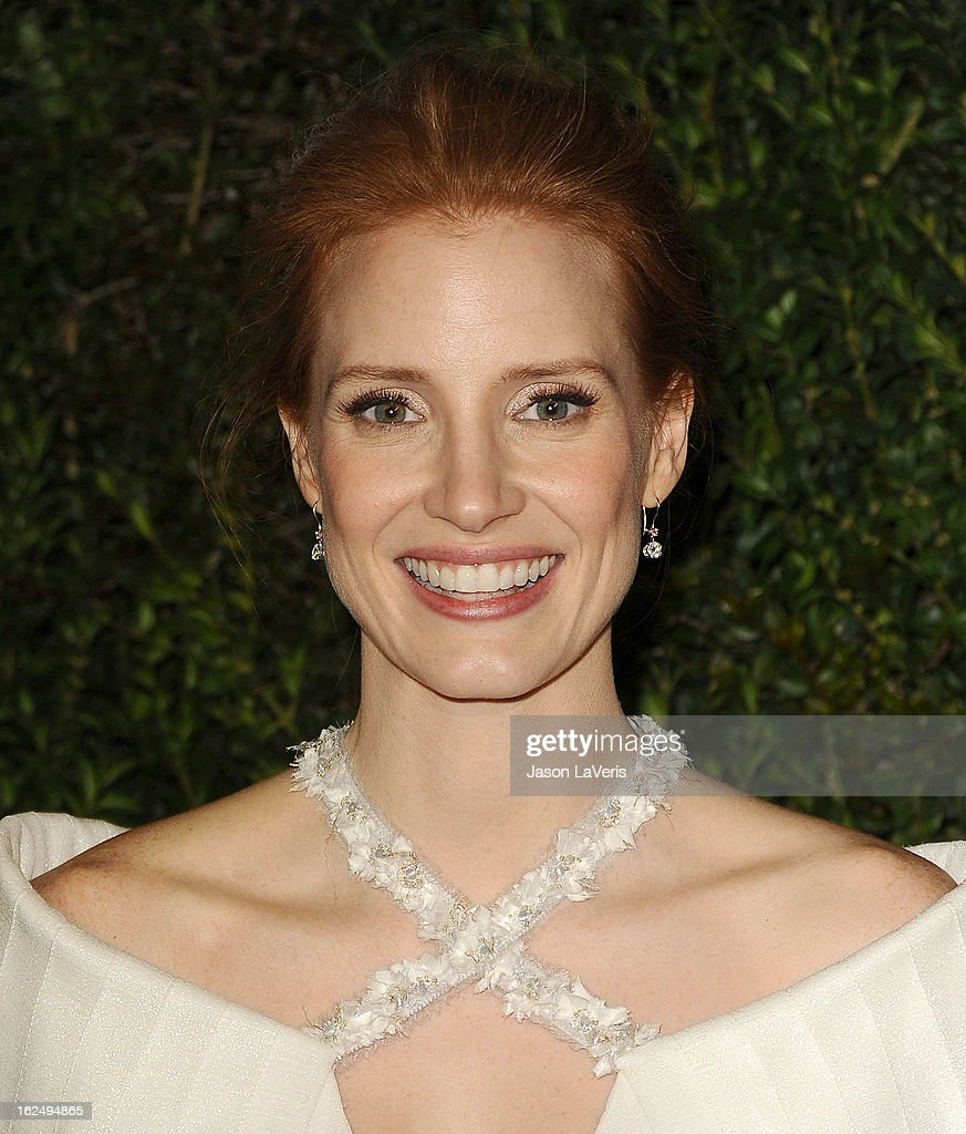 Actress <a gi-track='captionPersonalityLinkClicked' href=/galleries/search?phrase=Jessica+Chastain&family=editorial&specificpeople=653192 ng-click='$event.stopPropagation()'>Jessica Chastain</a> attends the Chanel Pre-Oscar dinner at Madeo Restaurant on February 23, 2013 in Los Angeles, California.