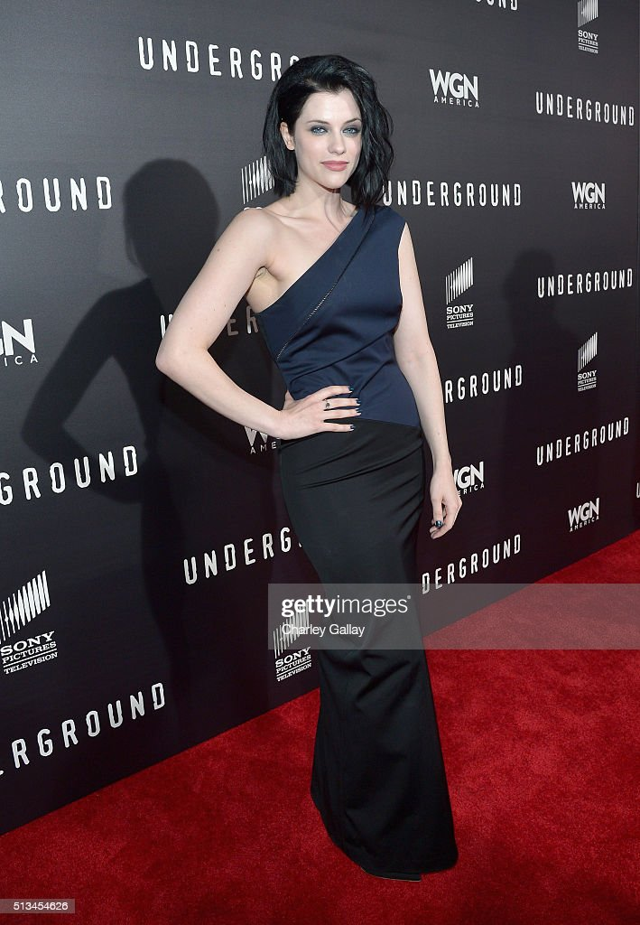 Actress Jessica De Gouw attends WGN America's 'Underground' World Premiere on March 2, 2016 in Los Angeles, California.