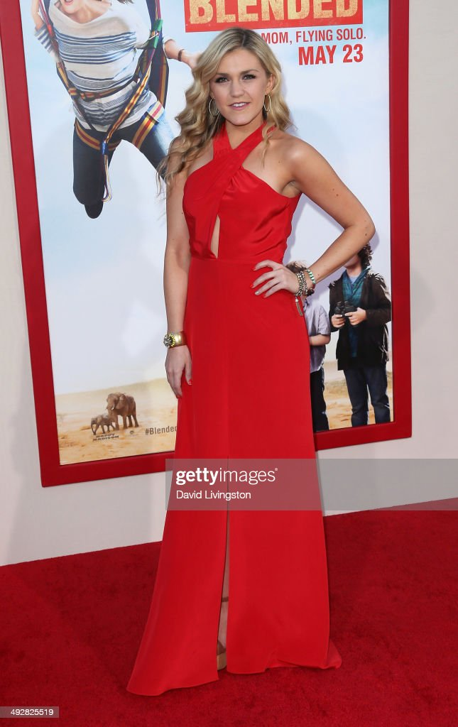 Actress <a gi-track='captionPersonalityLinkClicked' href=/galleries/search?phrase=Jessica+Lowe&family=editorial&specificpeople=7159169 ng-click='$event.stopPropagation()'>Jessica Lowe</a> attends the Los Angeles premiere of 'Blended' at the TCL Chinese Theatre on May 21, 2014 in Hollywood, California.