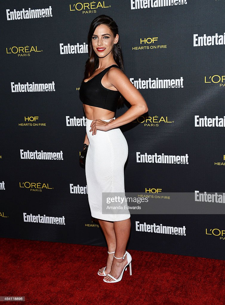 Actress Jessica Lowndes arrives at the 2014 Entertainment Weekly Pre-Emmy Party at Fig & Olive Melrose Place on August 23, 2014 in West Hollywood, California.