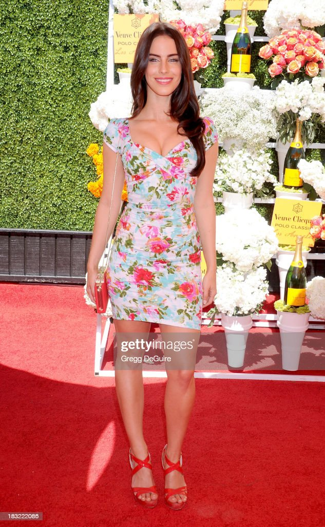 Actress <a gi-track='captionPersonalityLinkClicked' href=/galleries/search?phrase=Jessica+Lowndes&family=editorial&specificpeople=3960270 ng-click='$event.stopPropagation()'>Jessica Lowndes</a> arrives at the Veuve Clicquot Polo Classic at Will Rogers State Historic Park on October 5, 2013 in Pacific Palisades, California.