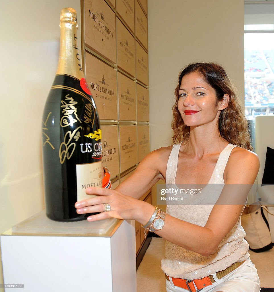 Actress <a gi-track='captionPersonalityLinkClicked' href=/galleries/search?phrase=Jill+Hennessy&family=editorial&specificpeople=210636 ng-click='$event.stopPropagation()'>Jill Hennessy</a> attends the Moet & Chandon Suite at USTA Billie Jean King National Tennis Center on September 2, 2013 in New York City.