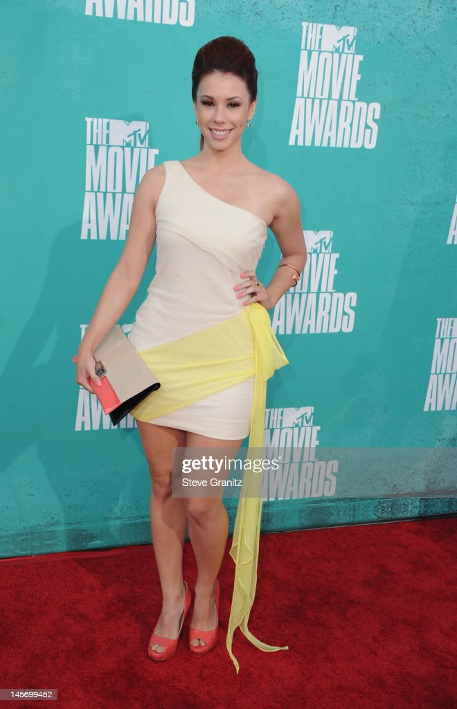 Actress Jillian Rose Reed arrives at the 2012 MTV Movie Awards at Gibson Amphitheatre on June 3, 2012 in Universal City, California.