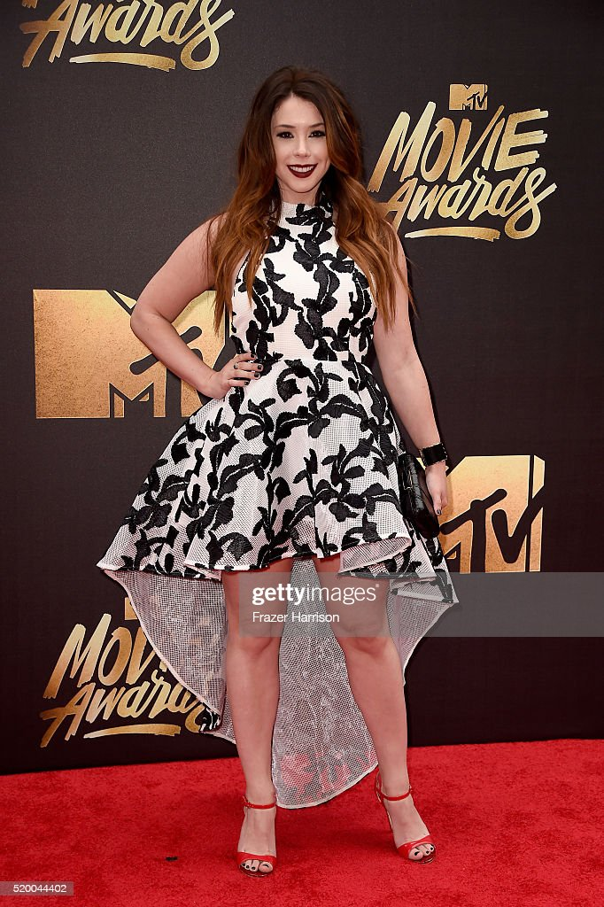 actress-jillian-rose-reed-attends-the-2016-mtv-movie-awards-at-warner-picture-id520044402