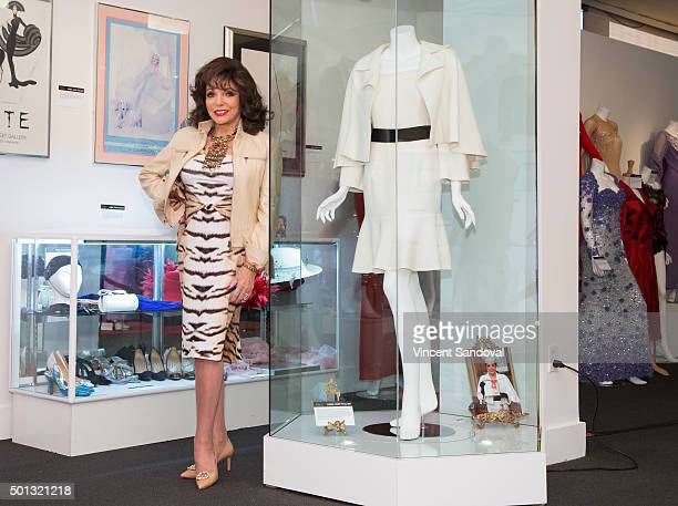 Actress Joan Collins attends Julien's Auctions Presents An Hour With The Legendary Joan Collins at Julien's Auctions Gallery on December 14 2015 in...