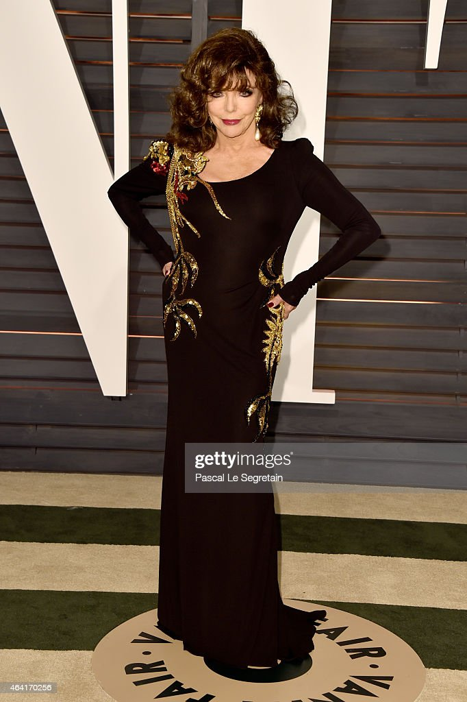 Actress <a gi-track='captionPersonalityLinkClicked' href=/galleries/search?phrase=Joan+Collins&family=editorial&specificpeople=109065 ng-click='$event.stopPropagation()'>Joan Collins</a> attends the 2015 Vanity Fair Oscar Party hosted by Graydon Carter at Wallis Annenberg Center for the Performing Arts on February 22, 2015 in Beverly Hills, California.