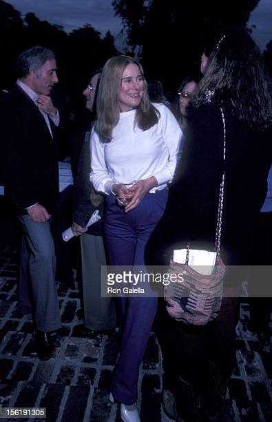 Actress Joan Hackett attends California Bilateral Nuclear Weapons Freeze Initiative on January 10 1982 at Bud Yorkin's home in Beverly Hills...