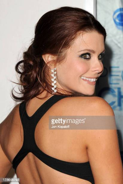 Actress Joanna GarciaSwisher arrives at the 2011 People's Choice Awards at Nokia Theatre LA Live on January 5 2011 in Los Angeles California