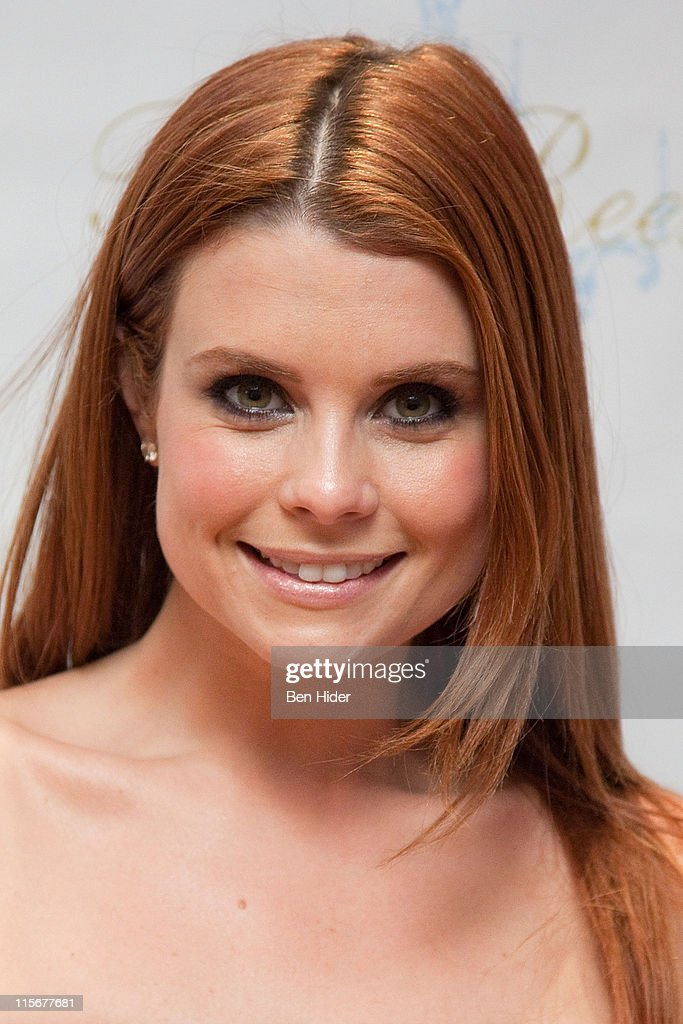 Actress Joanna Garcia-Swisher attends the 5 year anniversary of the Tracy Reese Flagship Store on June 8, 2011 in New York City.