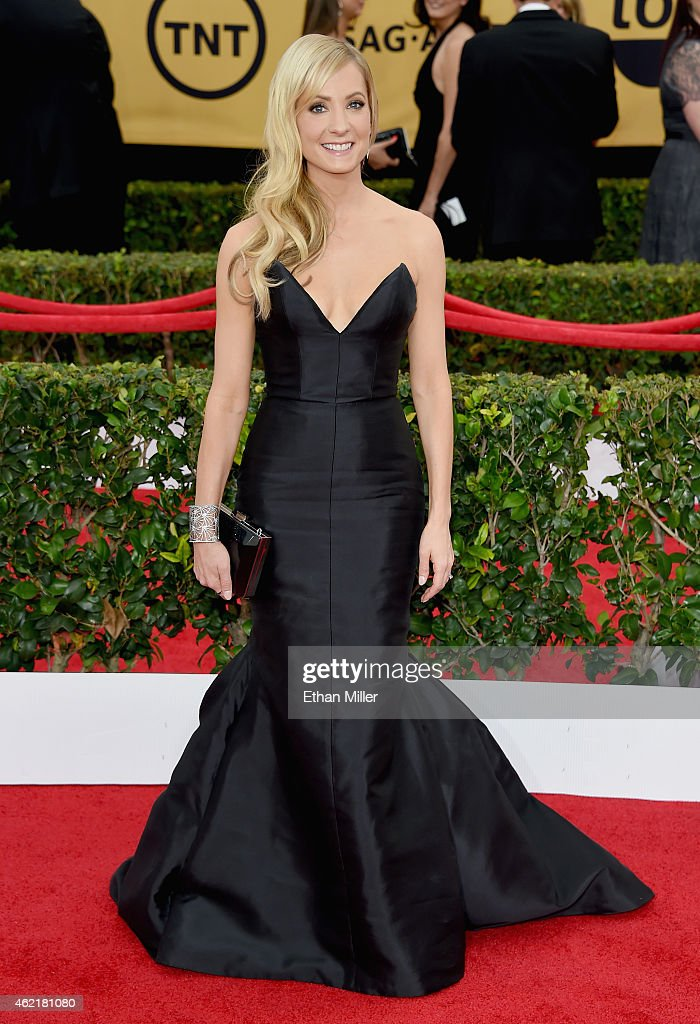 Actress <a gi-track='captionPersonalityLinkClicked' href=/galleries/search?phrase=Joanne+Froggatt&family=editorial&specificpeople=2364245 ng-click='$event.stopPropagation()'>Joanne Froggatt</a> attends the 21st Annual Screen Actors Guild Awards at The Shrine Auditorium on January 25, 2015 in Los Angeles, California.