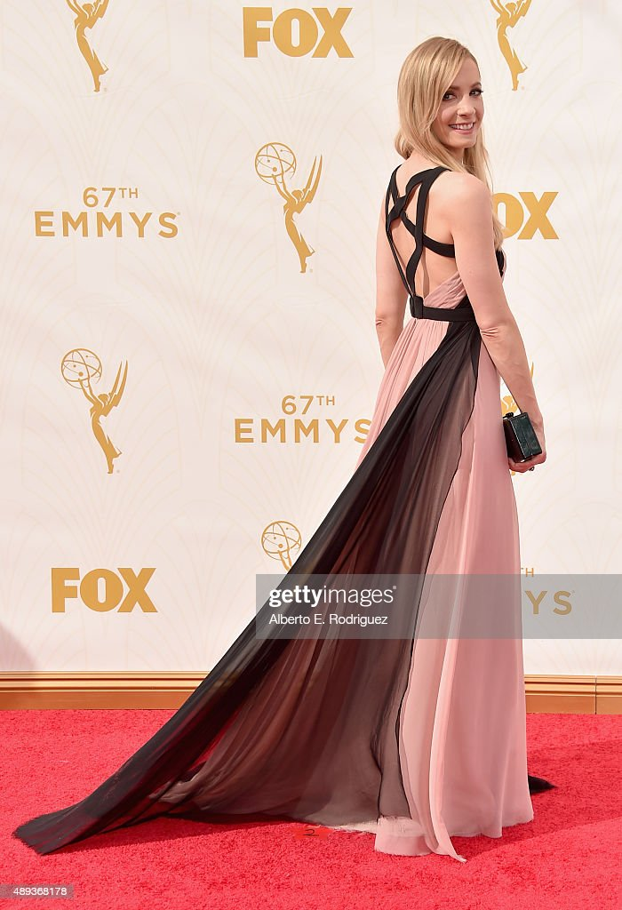 Actress Joanne Froggatt attends the 67th Emmy Awards at Microsoft Theater on September 20 2015 in Los Angeles California 25720_001