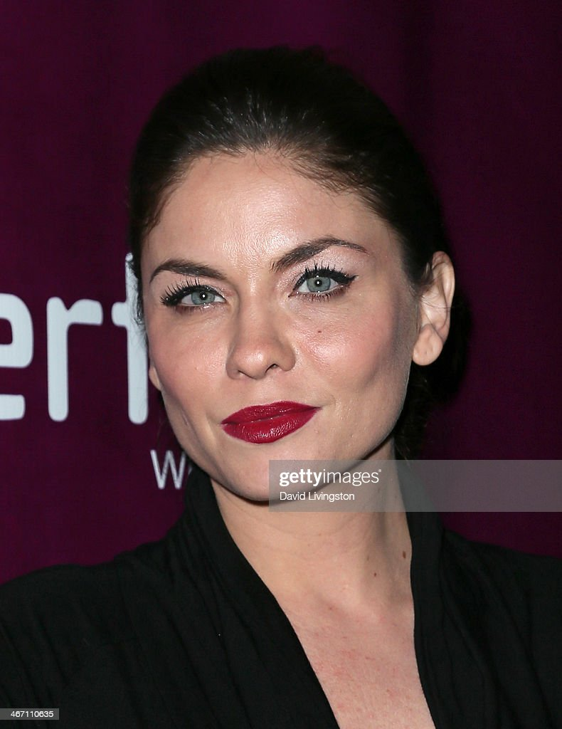 Actress Jodi Lyn O'Keefe attends the opening night performance of 'Above the Fold' at the Pasadena Playhouse on February 5, 2014 in Pasadena, California.