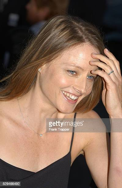 Actress Jodie Foster arrives at the premiere of 'The Manchurian Candidate' in Los Angeles