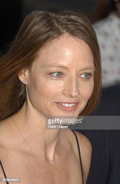 Actress Jodie Foster arrives at the premiere of 'The Manchurian Candidate'