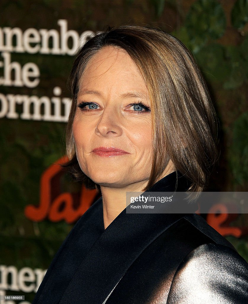 Actress <a gi-track='captionPersonalityLinkClicked' href=/galleries/search?phrase=Jodie+Foster&family=editorial&specificpeople=204488 ng-click='$event.stopPropagation()'>Jodie Foster</a> arrives at the Wallis Annenberg Center For The Performing Arts Gala at the Wallis Annenberg Center For The Performing Arts on October 17, 2013 in Beverly Hills, California.