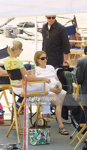 Actress Jodie Foster takes a break from directing 'The Panic Room' in Central Park June 27 2001 in New York City
