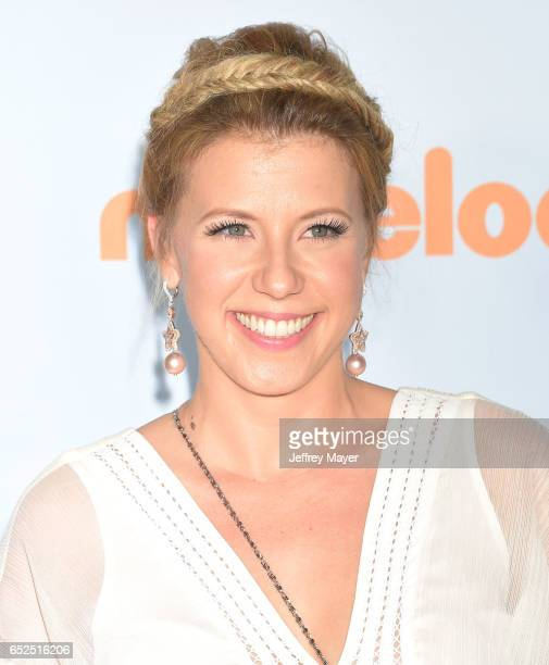 Actress Jodie Sweetin arrives at the Nickelodeon's 2017 Kids' Choice Awards at USC Galen Center on March 11 2017 in Los Angeles California