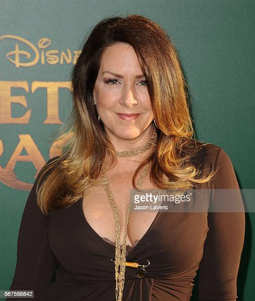 how tall is joely fisher