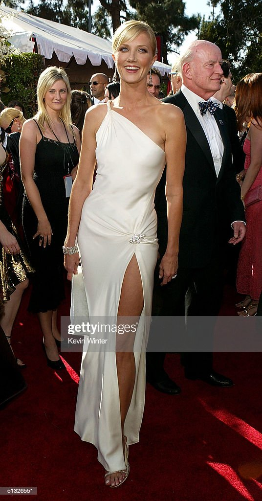Actress Joely Richardson attends the 56th Annual Primetime Emmy Awards at the Shrine Auditorium September 19, 2004 in Los Angeles, California.