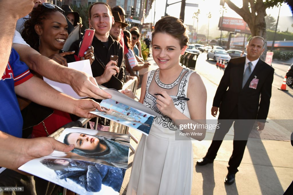 Actress <a gi-track='captionPersonalityLinkClicked' href=/galleries/search?phrase=Joey+King+-+Actress&family=editorial&specificpeople=2264584 ng-click='$event.stopPropagation()'>Joey King</a> attends Focus Features' 'Wish I Was Here' premiere at DGA Theater on June 23, 2014 in Los Angeles, California.