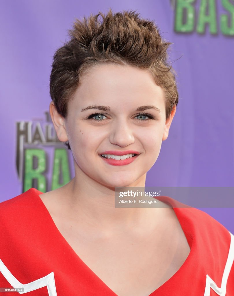 Actress <a gi-track='captionPersonalityLinkClicked' href=/galleries/search?phrase=Joey+King+-+Actress&family=editorial&specificpeople=2264584 ng-click='$event.stopPropagation()'>Joey King</a> attends the Hub Network's 1st Annual Halloween Bash at Barker Hangar on October 20, 2013 in Santa Monica, California.