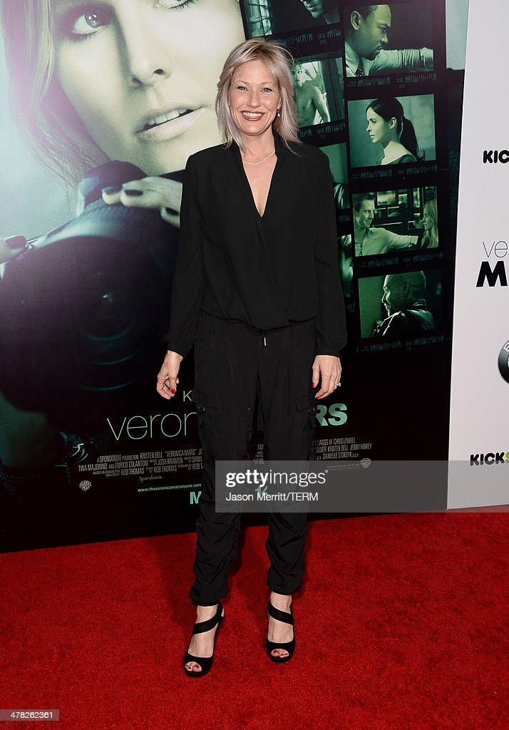 Actress <a gi-track='captionPersonalityLinkClicked' href=/galleries/search?phrase=Joey+Lauren+Adams&family=editorial&specificpeople=621841 ng-click='$event.stopPropagation()'>Joey Lauren Adams</a> arrives at the Los Angeles premiere of 'Veronica Mars' at TCL Chinese Theatre on March 12, 2014 in Hollywood, California.