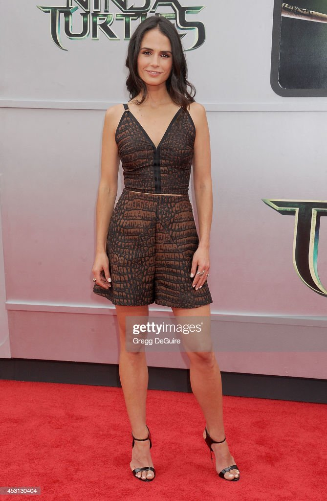 Actress <a gi-track='captionPersonalityLinkClicked' href=/galleries/search?phrase=Jordana+Brewster&family=editorial&specificpeople=207174 ng-click='$event.stopPropagation()'>Jordana Brewster</a> arrives at the Los Angeles Premiere of 'Teenage Mutant Ninja Turtles' at Regency Village Theatre on August 3, 2014 in Westwood, California.