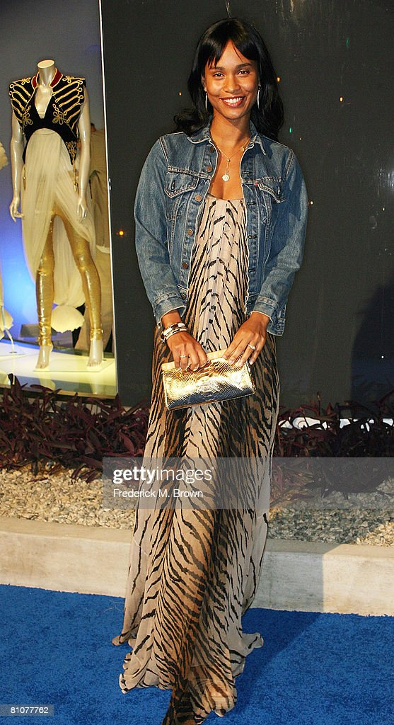 Actress Joy Bryant attends the launch of Alexander McQueen's Flagship Boutique on May 13, 2008 in Los Angeles, California.