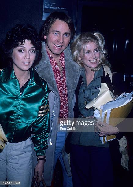 Actress Joyce DeWitt actor John Ritter and actress Suzanne Somers attend a taping of 'Three's Company' on January 18 1978 at CBS Television City in...