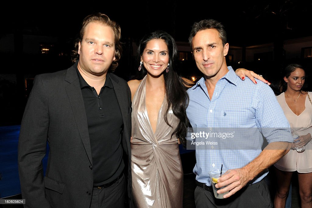 Actress <a gi-track='captionPersonalityLinkClicked' href=/galleries/search?phrase=Joyce+Giraud&family=editorial&specificpeople=841715 ng-click='$event.stopPropagation()'>Joyce Giraud</a> (C) attends Star Scene Stealers Event at Tropicana Bar at The Hollywood Rooselvelt Hotel on October 1, 2013 in Hollywood, California.