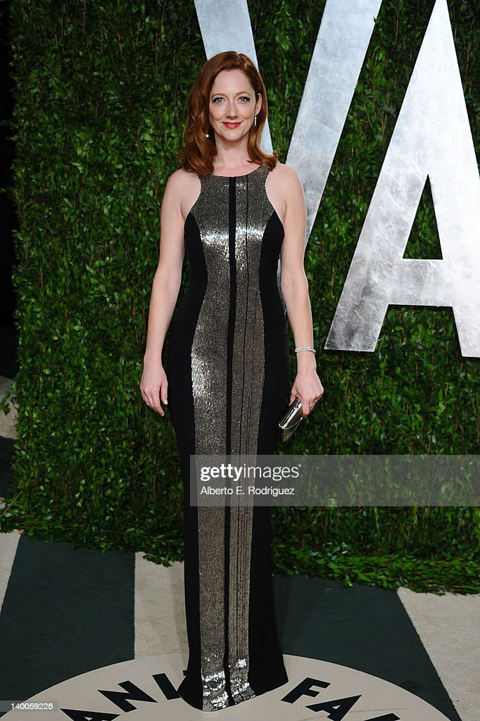 Actress Judy Greer arrives at the 2012 Vanity Fair Oscar Party hosted by Graydon Carter at Sunset Tower on February 26, 2012 in West Hollywood, California.