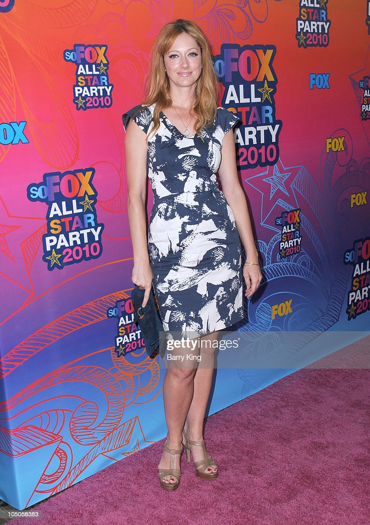 Actress <a gi-track='captionPersonalityLinkClicked' href=/galleries/search?phrase=Judy+Greer&family=editorial&specificpeople=214752 ng-click='$event.stopPropagation()'>Judy Greer</a> arrives at the Fox All-Star Party at Pacific Park at the Santa Monica Pier on August 2, 2010 in Santa Monica, California.