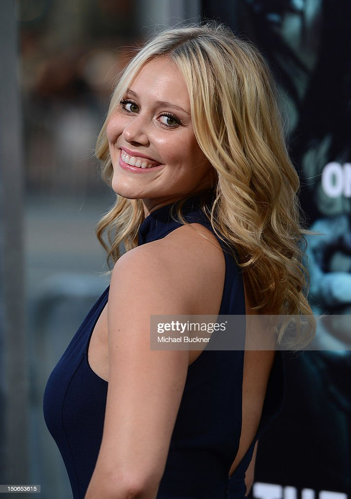 Actress Juilanna Guill arrives to the premiere of Warner Bros. Pictures' 'The Apparition' at Grauman's Chinese Theatre on August 23, 2012 in Hollywood, California.