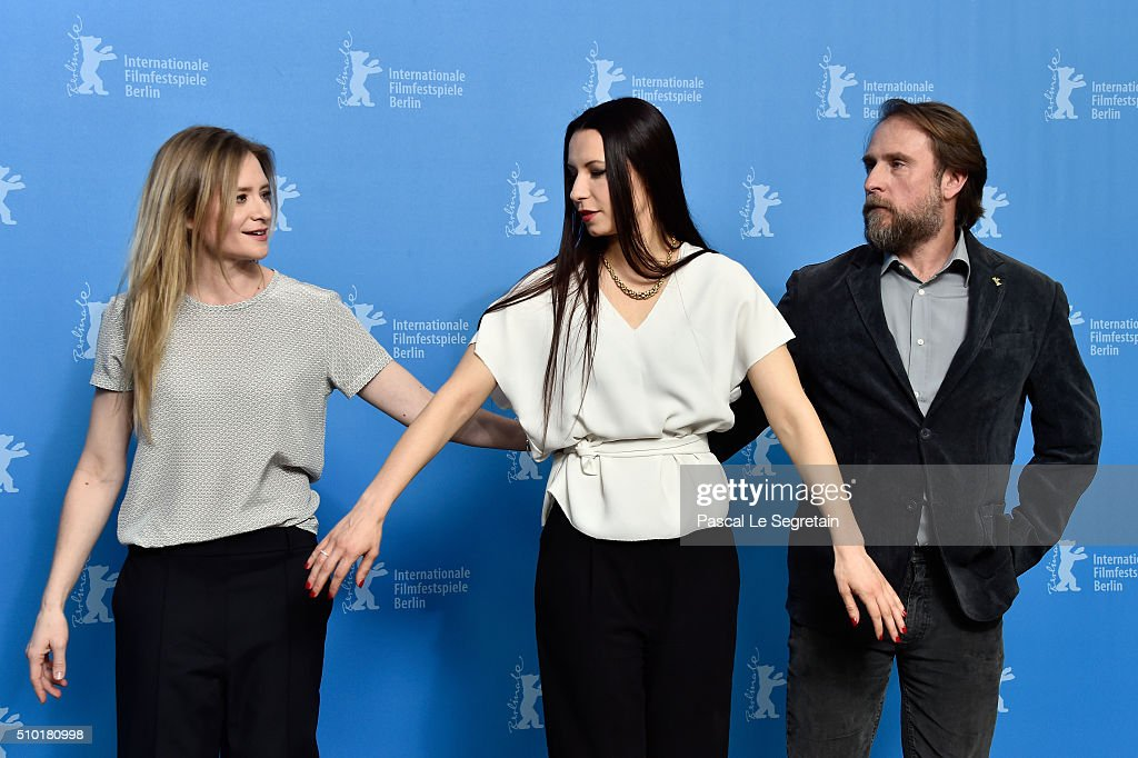 Actress <a gi-track='captionPersonalityLinkClicked' href=/galleries/search?phrase=Julia+Jentsch&family=editorial&specificpeople=217557 ng-click='$event.stopPropagation()'>Julia Jentsch</a>, director Anne Zohra Berrached and actor Bjarne Maedel attend the '24 Wochen' photo call during the 66th Berlinale International Film Festival Berlin at Grand Hyatt Hotel on February 14, 2016 in Berlin, Germany.