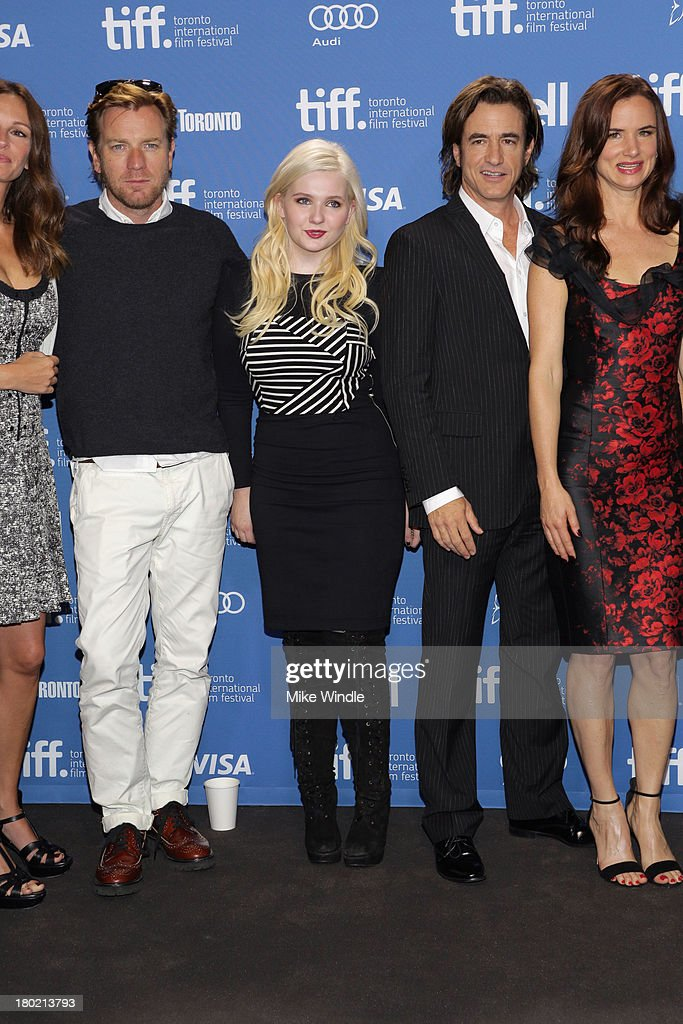 Actress Julia Roberts, actor Ewan McGregor, actress Abigail Breslin, actor Dermot Mulroney and actress Juliette Lewis attend 'August: Osage County' Press Conference during the 2013 Toronto International Film Festival at TIFF Bell Lightbox on September 10, 2013 in Toronto, Canada.