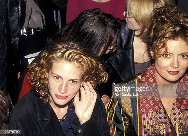 Actress Julia Roberts and actress Susan Sarandon attend the Fall 1994 Fashion Week Todd Oldham Fashion Show on April 7 1994 at Bryant Park in New...