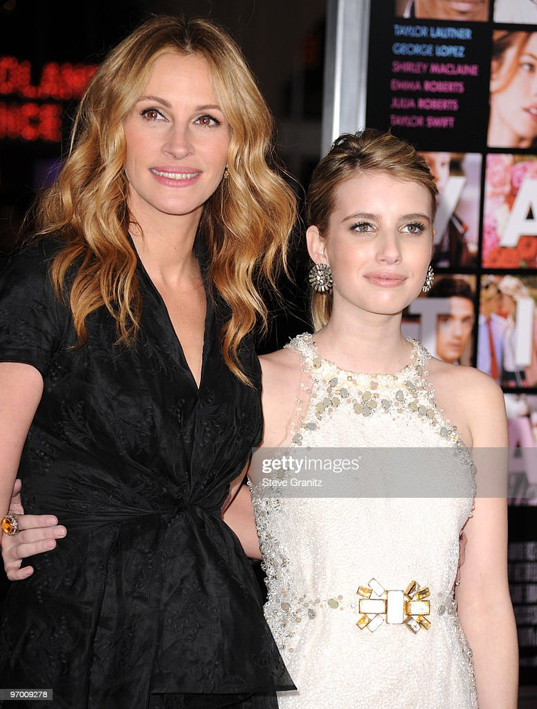 Actress Julia Roberts and Emma Roberts attends the 'Valentine's Day' Los Angeles Premiere at Grauman's Chinese Theatre on February 8, 2010 in Hollywood, California.