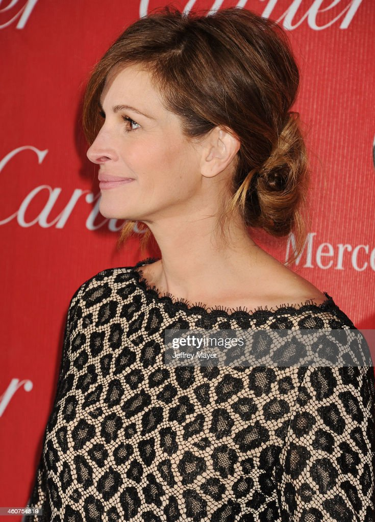 Actress <a gi-track='captionPersonalityLinkClicked' href=/galleries/search?phrase=Julia+Roberts&family=editorial&specificpeople=202605 ng-click='$event.stopPropagation()'>Julia Roberts</a> arrives at the 25th Annual Palm Springs International Film Festival Awards Gala at Palm Springs Convention Center on January 4, 2014 in Palm Springs, California.