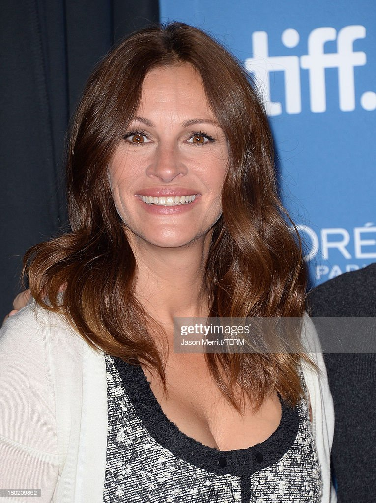 Actress Julia Roberts attends 'August: Osage County' Press Conference during the 2013 Toronto International Film Festival at TIFF Bell Lightbox on September 10, 2013 in Toronto, Canada.