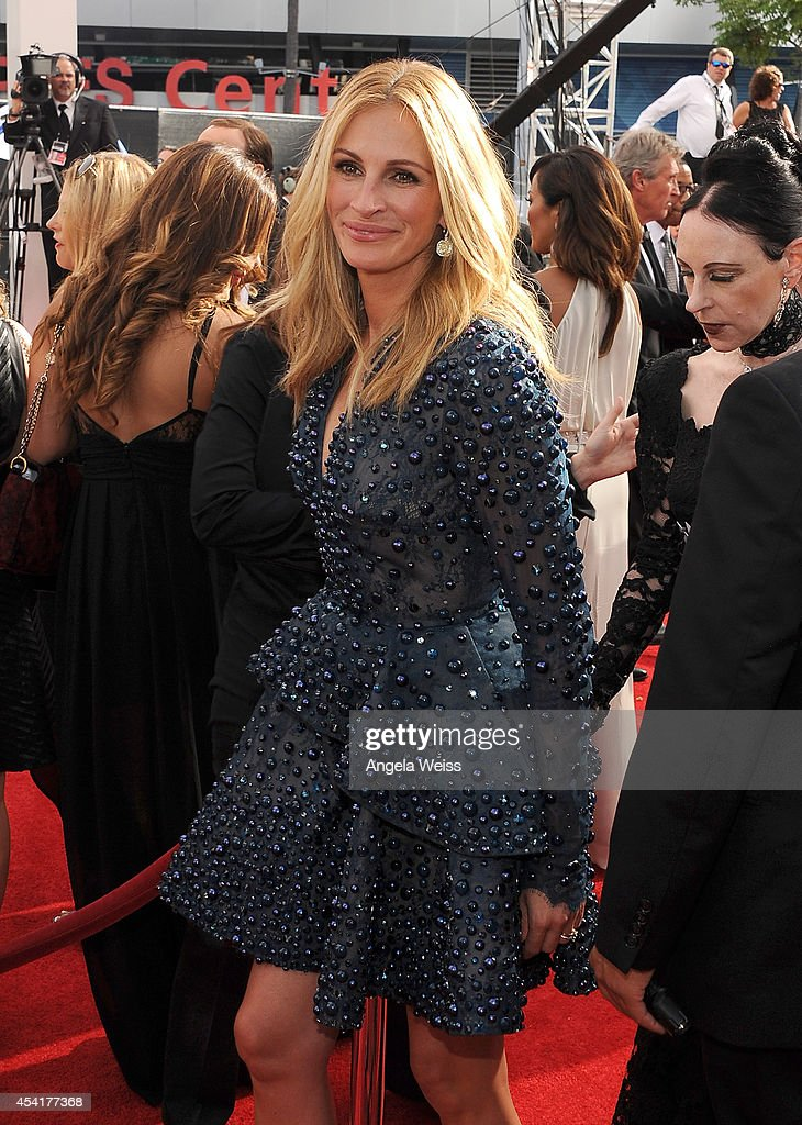 Actress <a gi-track='captionPersonalityLinkClicked' href=/galleries/search?phrase=Julia+Roberts&family=editorial&specificpeople=202605 ng-click='$event.stopPropagation()'>Julia Roberts</a> attends the 66th Annual Primetime Emmy Awards held at the Nokia Theatre L.A. Live on August 25, 2014 in Los Angeles, California.