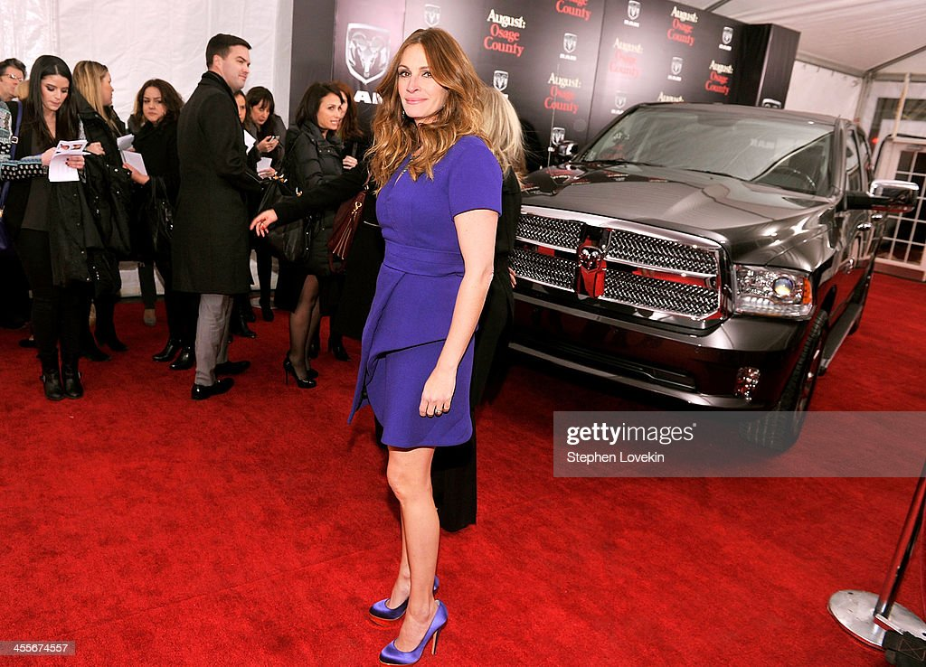 Actress <a gi-track='captionPersonalityLinkClicked' href=/galleries/search?phrase=Julia+Roberts&family=editorial&specificpeople=202605 ng-click='$event.stopPropagation()'>Julia Roberts</a> attends the 'August: Osage County' New York Ciity premiere sponsored by Ram at Ziegfeld Theatre on December 12, 2013 in New York City.