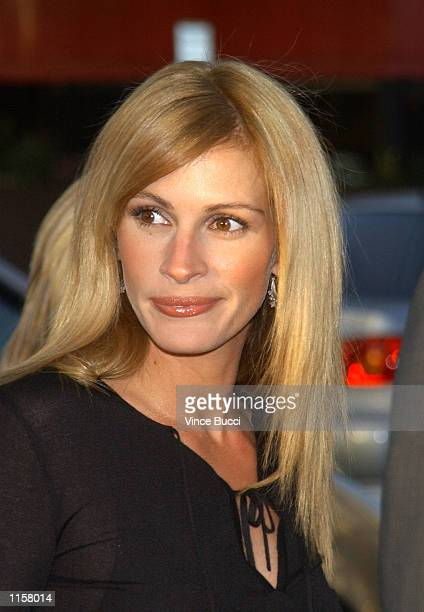 Actress Julia Roberts attends the premiere of director Steven Soderbergh's new film 'Full Frontal' on July 23 2002 in Los Angeles California