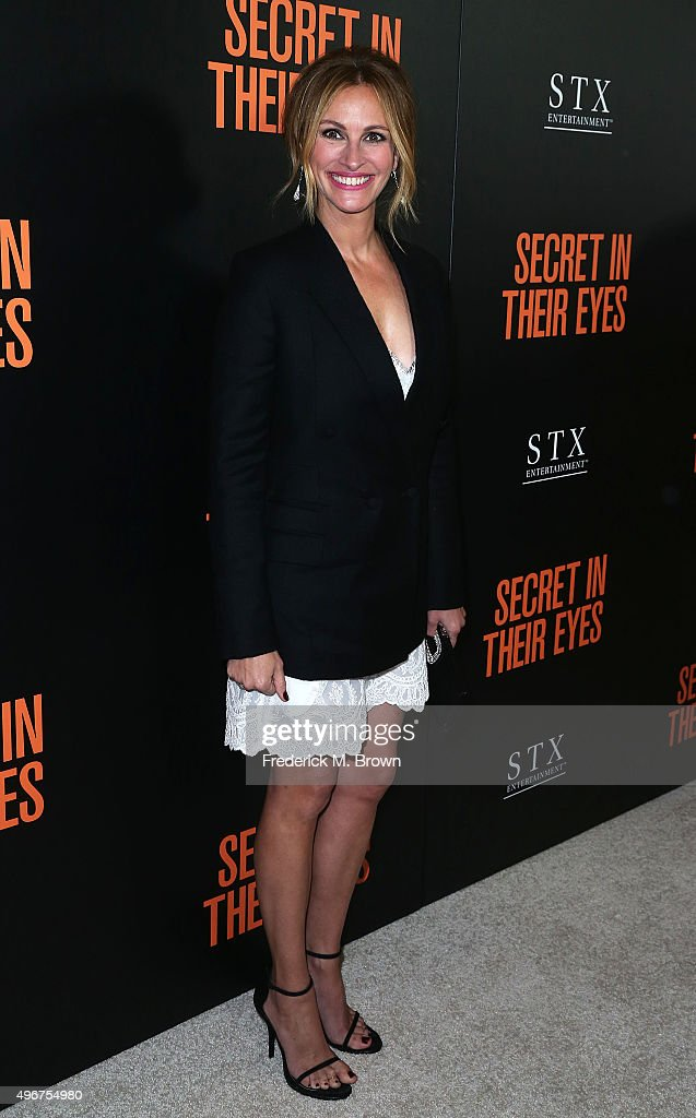 Actress <a gi-track='captionPersonalityLinkClicked' href=/galleries/search?phrase=Julia+Roberts&family=editorial&specificpeople=202605 ng-click='$event.stopPropagation()'>Julia Roberts</a> attends the Premiere of STX Entertainment's 'Secret In Their Eyes' at the Hammer Museum on November 11, 2015 in Westwood, California.