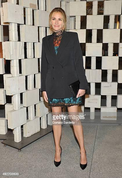 Actress Julia Roberts wearing Bottega Veneta attends the Hammer Museum Gala in Garden sponsored by Bottega Veneta at Hammer Museum on October 10 2015...